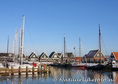 ansichtkaart winter haven van Marken, postcard harbour of Marken in winter, Postkarte Winter der Hafen von Marken